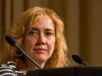Элизабет Хэнд