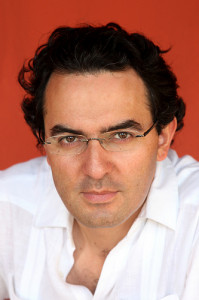 Хуан Габриэль Васкес