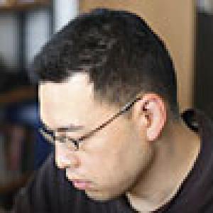 Автор - Киехико Адзума