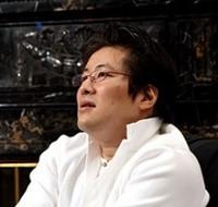Автор - Хироcи Сакурадзака