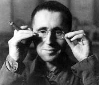 Автор - Бертольд Брехт