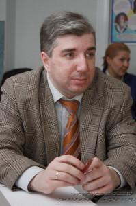 Автор - Арсений Замостьянов